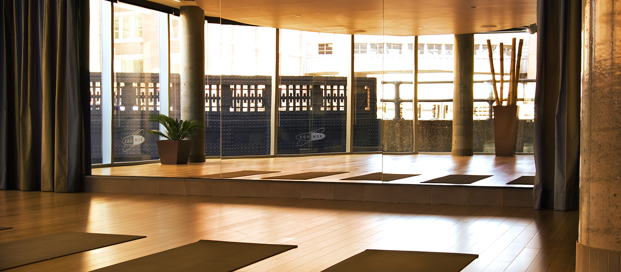 Gyms In Chelsea Nyc Fitness Clubs With Pilates Yoga Classes