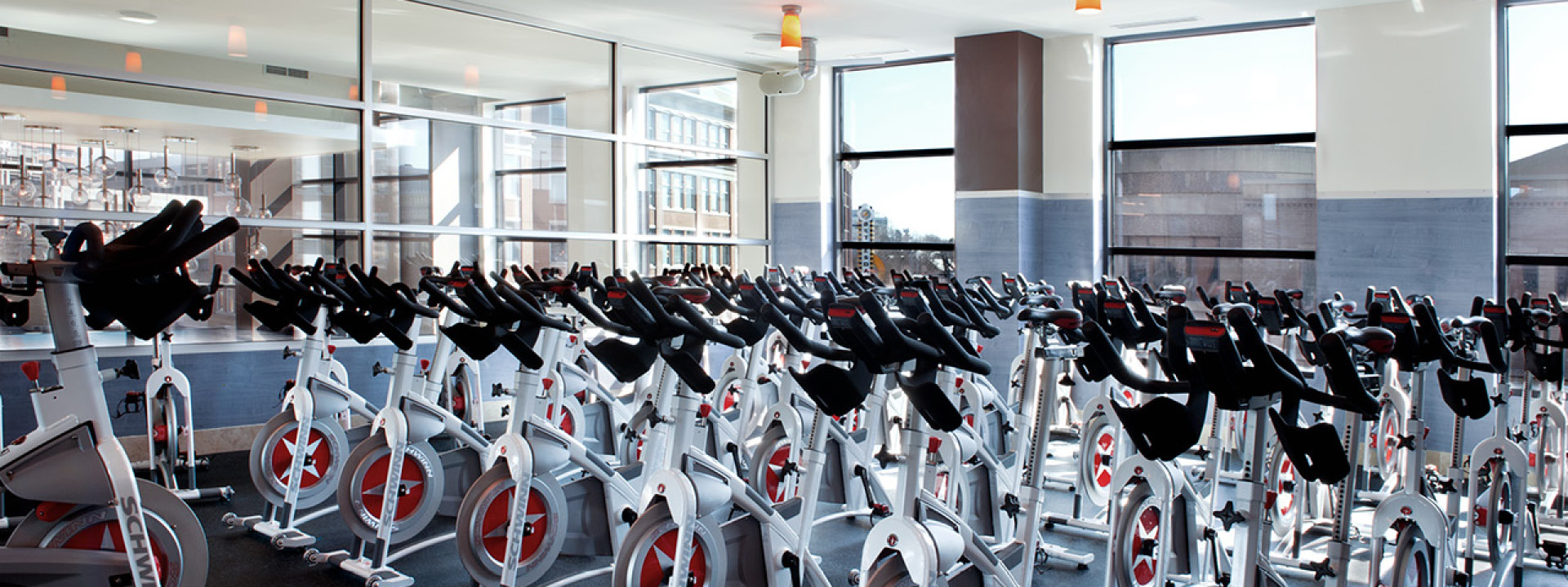 Gyms in bethesda md with luxury fitness amenities at equinox