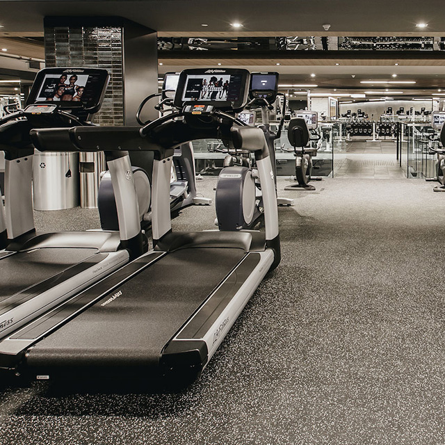 3ee5afb4f93 Vancouver Fitness Club: Luxury Gym with Yoga, Boxing & Cycling