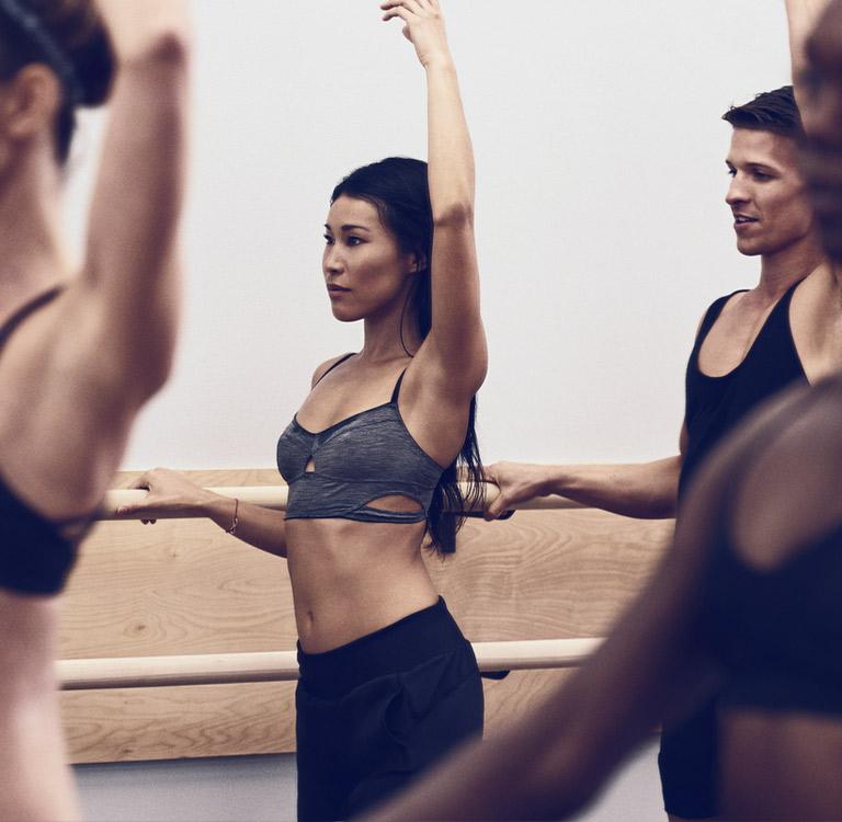 Equinox Classes Reviews >> Barre Class Workout Ballet Barre Classes Barre Burn Equinox